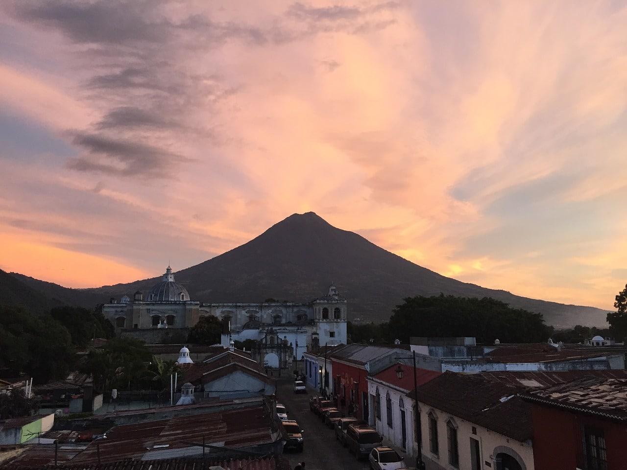 coucher de soleil au guatemala